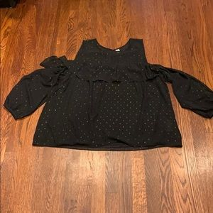 Black cold shoulder top with sleeves